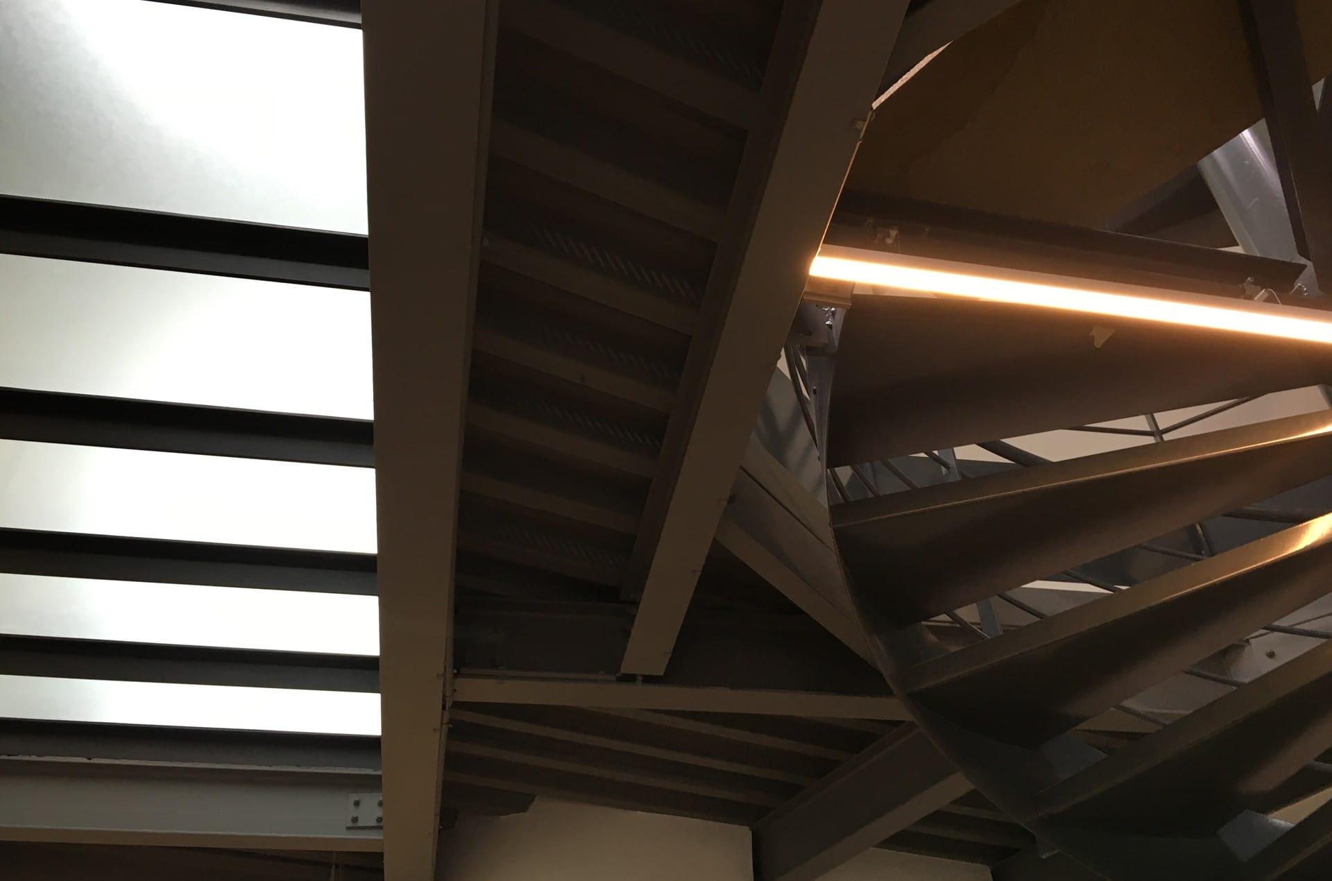 architec-details-plafond-lumiere
